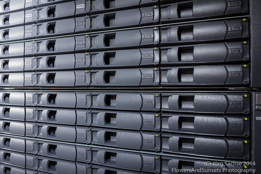 Festplatten in einem professionellen NAS-System